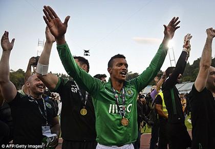 Cầu thủ M.U duy nhất đoạt Cúp mùa 2014/15