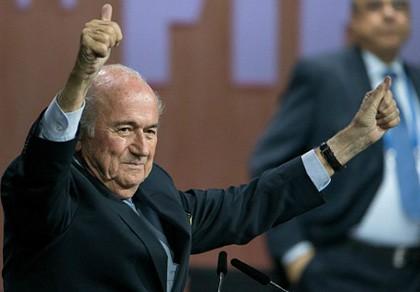 Tại sao Blatter tái đắc cử dù uy tín xuống thấp