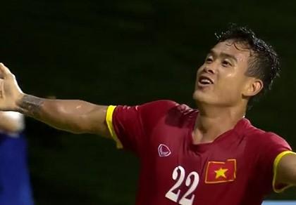 Vất vả vượt qua U23 Lào, U23 Việt Nam đòi lại ngôi đầu bảng