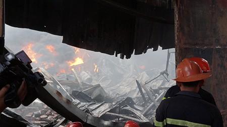 Cháy lớn tại công ty hóa chất, thiệt hại hơn 8 tỷ đồng