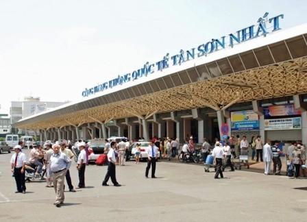 Sân bay Tân Sơn Nhất bị gián đoạn hoạt động bay 18 phút