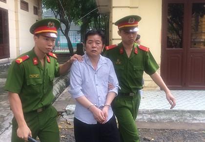 Cặp đôi người Trung Quốc lãnh án vì bán thuốc và đồ kích dục