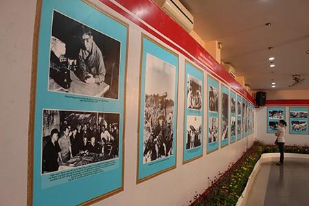 Khai mạc triển lãm hình ảnh về Cố Tổng bí thư  Nguyễn Văn Linh