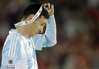 Messi bị ông ngoại chỉ trích lười biếng