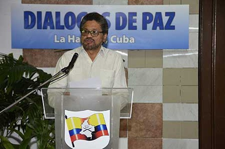 Lần đầu tiên quân đội Colombia ngừng bắn