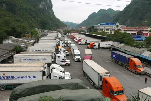 Xây khu trung chuyển xuất khẩu sang Trung Quốc