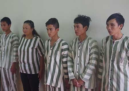 Khởi tố năm người đánh bạc ở Đắk Nông