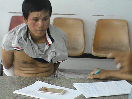 Truy bắt nghi can nhiễm HIV đi cướp, một CSGT bị thương