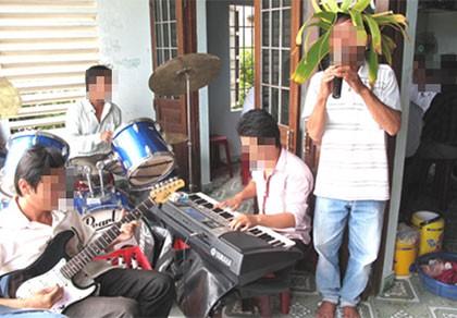 """Hát """"nhạc sống"""" gây ồn sẽ bị xử phạt, nêu tên trên báo đài"""
