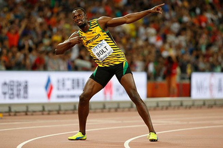 Vượt Gatlin ngoạn mục, 'tia chớp' Bolt vô địch thế giới 100m