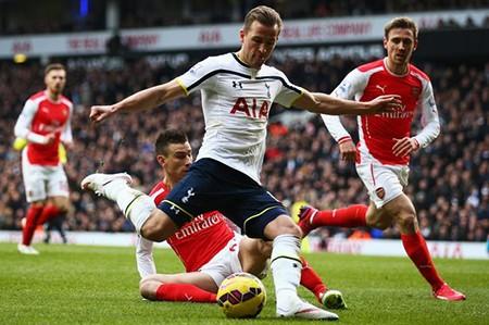 Bốc thăm Capital One Cup: Arsenal 'đại chiến' Tottenham, M.U 'nhẹ gánh'