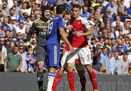 'Hãy giữ cái đầu thật lạnh trận derby'