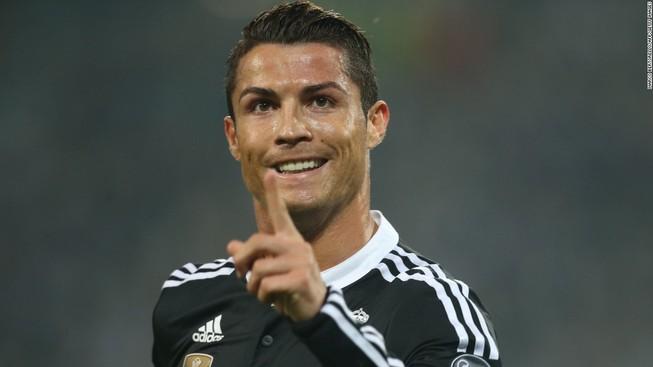 Ronaldo đạt cột mốc 500 bàn thắng