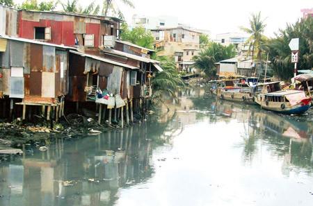 Sẽ 'xóa sổ' gần 10.000 căn nhà trên kênh rạch trong năm năm tới