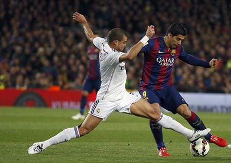 Trọng tài bắt 'ép' Barcelona trong trận siêu kinh điển với Real