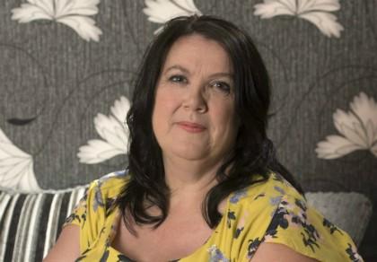Bà góa 52 tuổi dính quả lừa với người tình ảo trên Facebook
