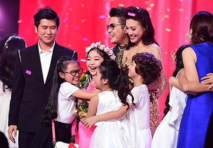 'Công chúa tóc mây' Hồng Minh đăng quang The Voice Kids 2015