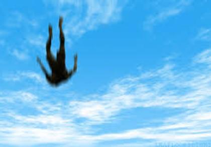 Phó TGĐ tử vong khi rơi từ tầng 19 xuống