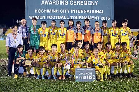Đội nữ TP.HCM vô địch giải bóng đá quốc tế mở rộng