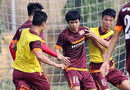 Buổi tập đầu tiên của U-23 Việt Nam: Công Phượng lập hat-trick