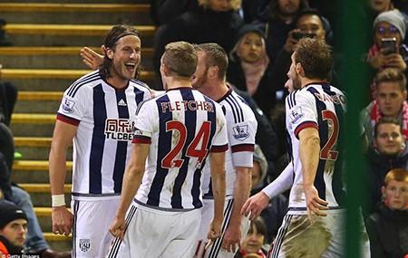 Liverpool 2-2 West Brom: Chia điểm phút bù giờ