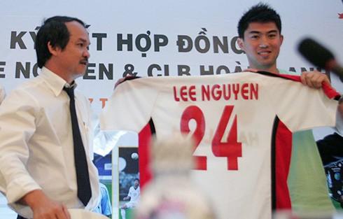 Vì sao bầu Đức không thể tái hợp Lee Nguyễn