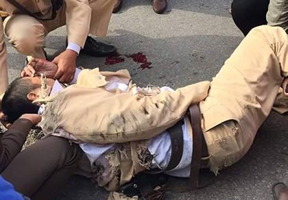 Khởi tố tài xế xe tải tông CSGT, kéo lê 20 m tội giết người
