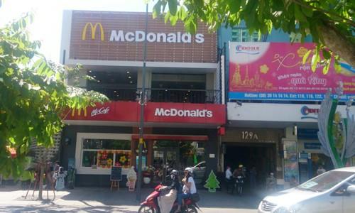Đua săn mặt bằng trên phố đi bộ Nguyễn Huệ