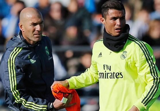 Zidane đến, Ronaldo vẫn muốn đi