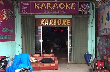 Hàng chục người điên cuồng 'bay' trong quán karaoke