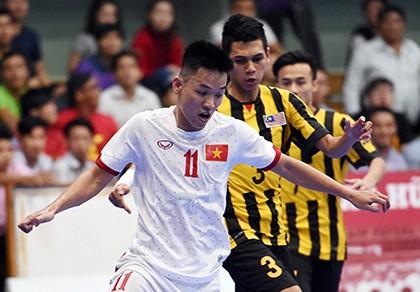 Tuyển Futsal Việt Nam có quà trước khi xa nhà ăn tết