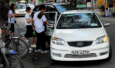 """Sửa quy định để """"siết"""" giá cước taxi"""