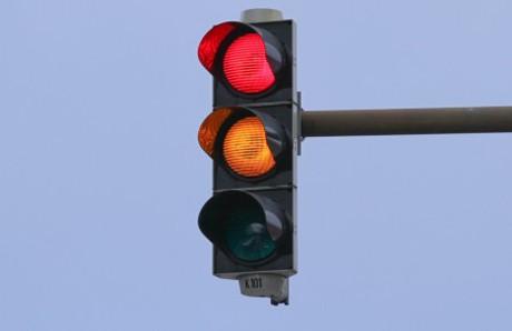 Ở TP.HCM, đèn đỏ được phép rẽ phải?