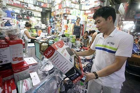 Hàng hóa Trung Quốc gắn mác ngoại lừa người mua