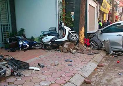 Khởi tố tài xế gây tai nạn khiến ba người chết trên phố