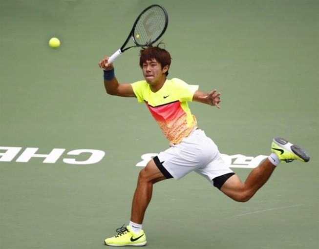 Lý Hoàng Nam thua ngược tay vợt khiếm thính