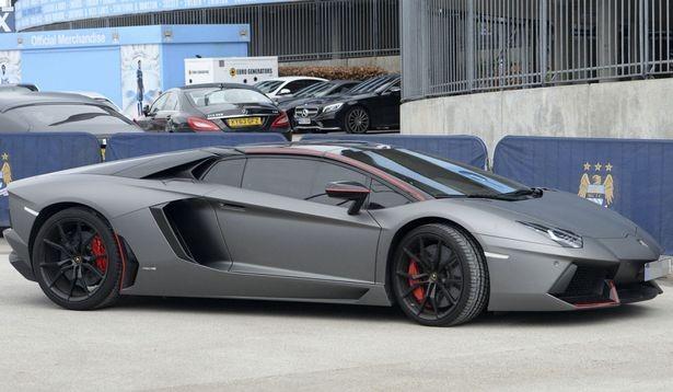 Samir Nasri bị cảnh sát giữ siêu xe Lamborghini 330.000 bảng Anh
