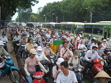 Phát triển xe buýt kết hợp kiểm soát xe máy