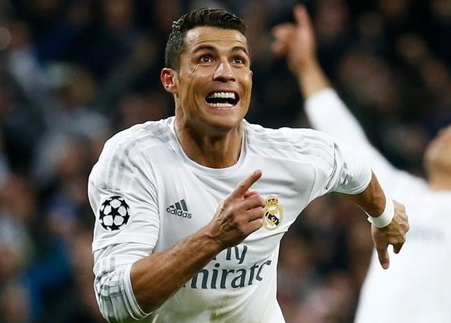 Ronaldo lập hattrick, Real ngược dòng 'thần thánh' loại Wolfsburg