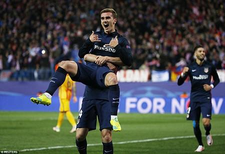 Griezmann tỏa sáng, Barca trở thành cựu vương Champions League