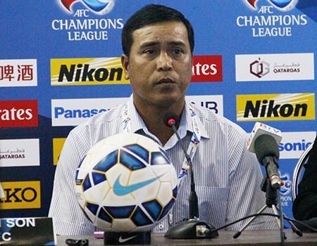 HLV Nguyễn Thanh Sơn nói gì trước trận gặp Jiangsu Suning?
