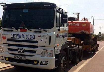 Bình Thuận: Bắt xe quá khổ sử dụng giấy phép lưu hành giả