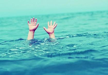 Rủ nhau tắm hồ thủy lợi, 3 bé gái chết đuối  thương tâm
