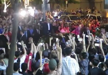 Ngoại trưởng Mỹ John Kerry trong 'vòng vây' người Sài Gòn
