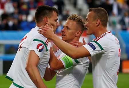 Áo 0-2 Hungary: Sốc!