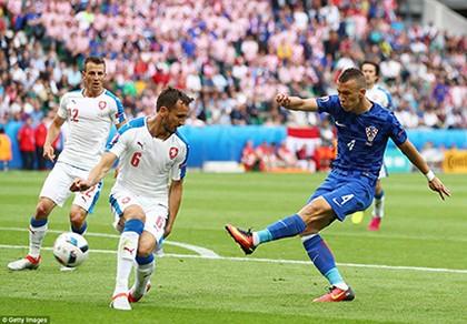 Croatia 2-2 CH Séc: Kịch bản khó lường!