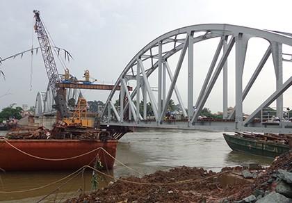 Chùm ảnh: Cầu Ghềnh mới trước ngày thông tàu