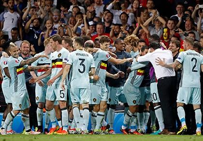 Thắng đậm Hungary, Bỉ giành vé vào tứ kết