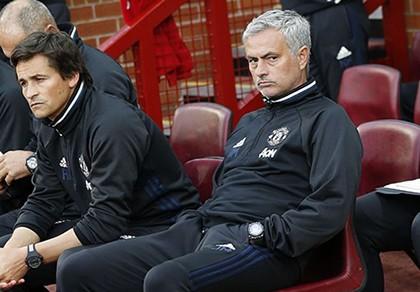 Mourinho xác nhận Schweinsteiger hết tương lai ở MU
