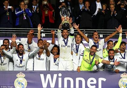 Real giành siêu cúp châu Âu trong cảnh trở về từ cõi chết